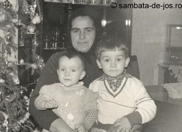 sambata_de_jos_mama_gini_mire_lau_1983.jpg